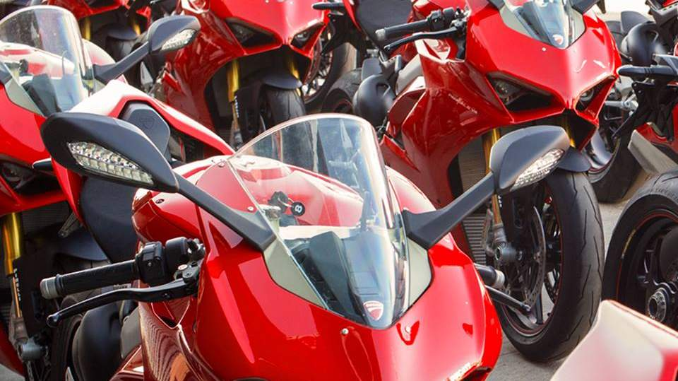 Ducati Panigale V4 Bookings Re Opened In India 20 Units Booked In A