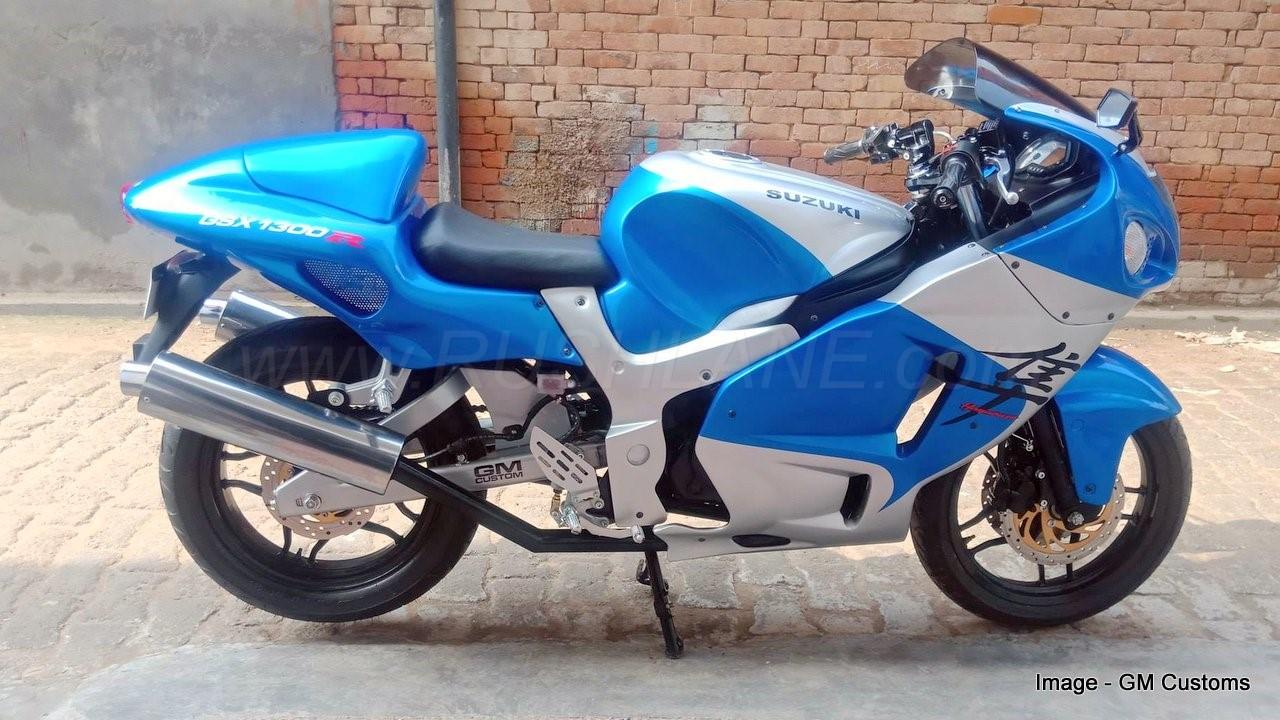 Bajaj Pulsar modified to look like old Suzuki Hayabusa for