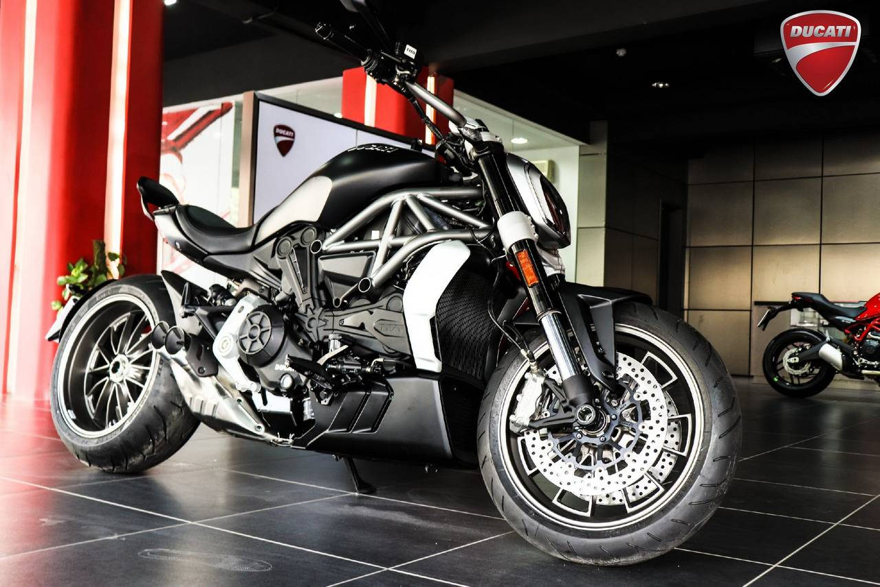 Ducati India reduces prices after Import Duty reduction - Here is ...