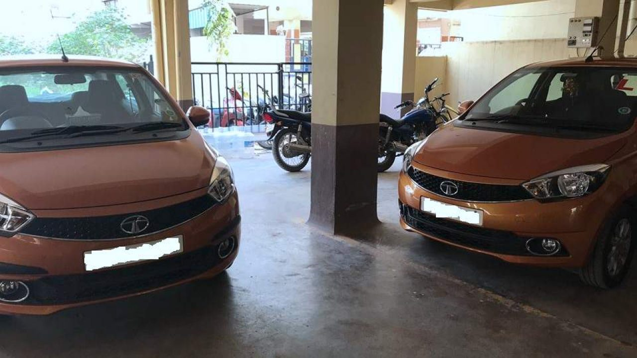 Two Tata Tiago keyless entry systems unlocked by same key
