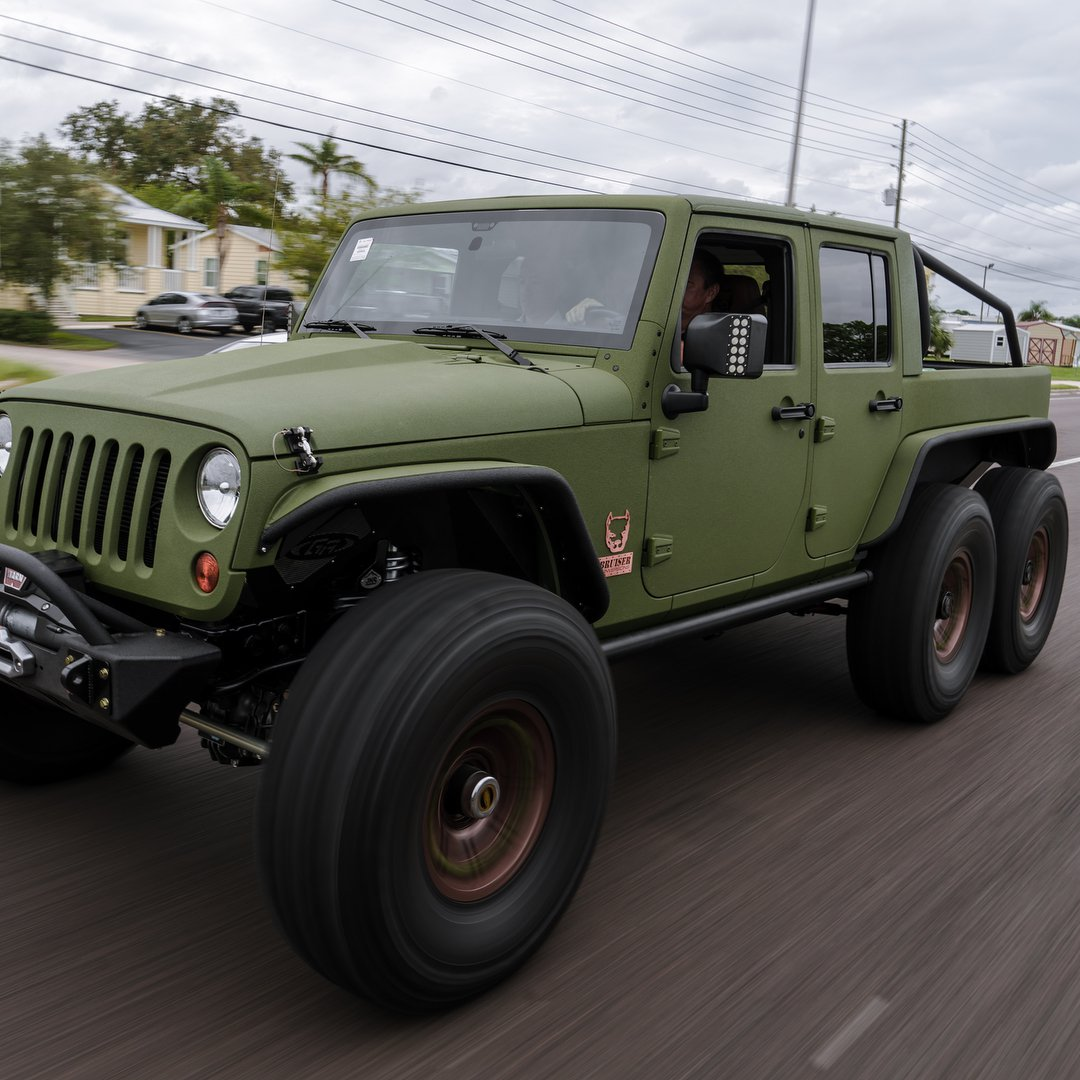 Jeep Wrangler Army Green 6x6 Is Meant For Serious Off Roading