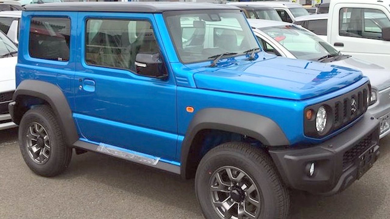 new suzuki jimny suv 4x4 has brilliant offroad capabilities video. Black Bedroom Furniture Sets. Home Design Ideas