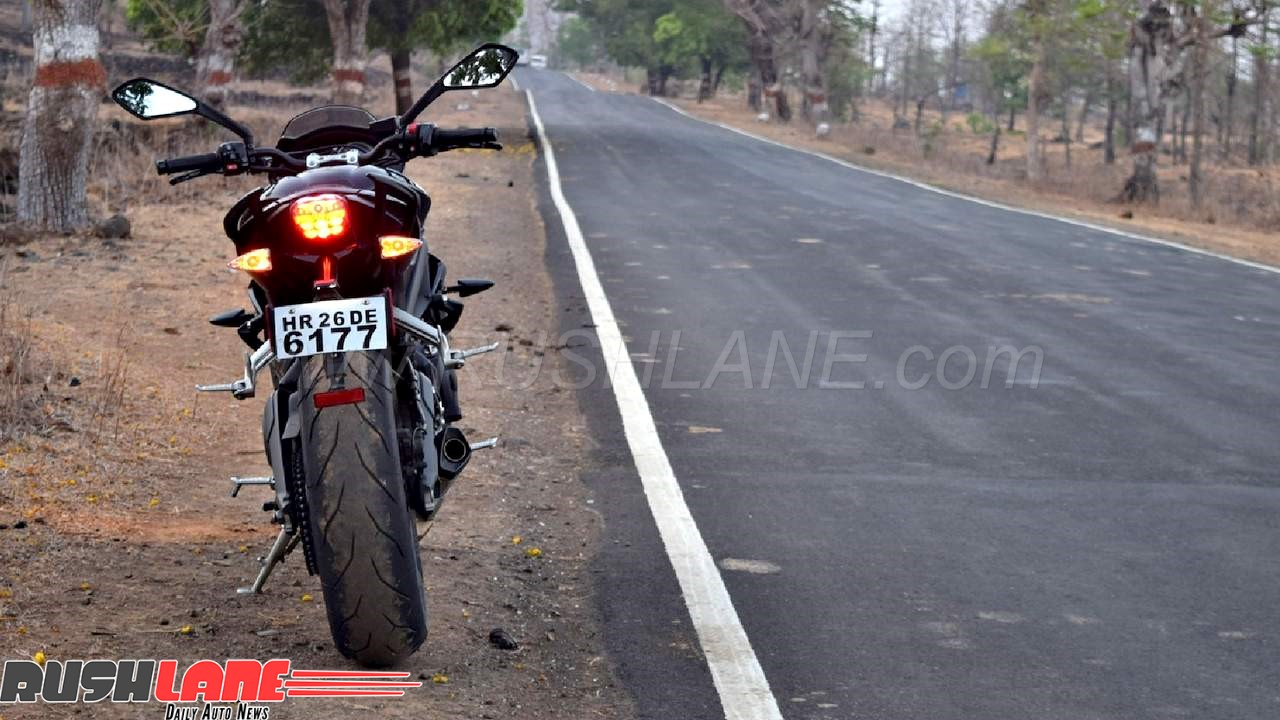 2018 Triumph Street Triple S Test Ride Review Price Rs 10 Lakhs
