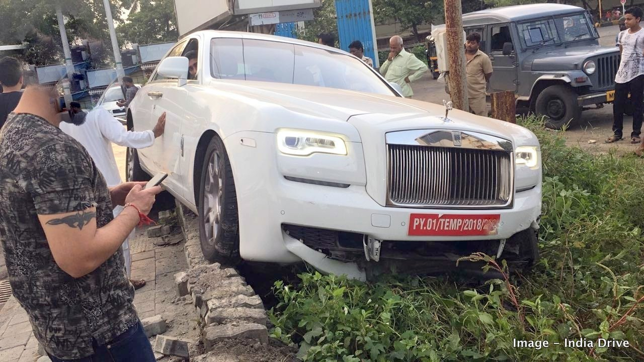 On Road Price Of A New Rolls Royce Ghost Is In The Region Rs 7 Crore