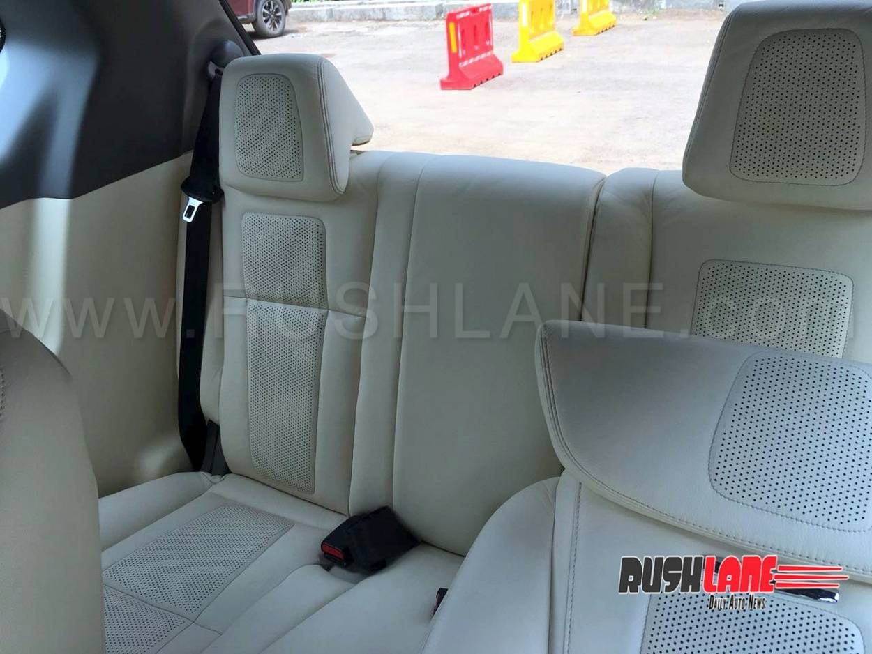 Mahindra Marazzo Customised Dc Style Leather Seats