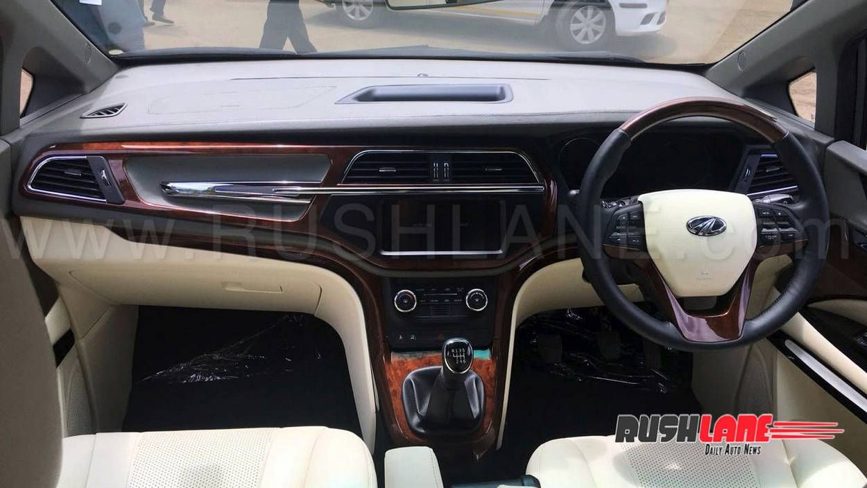 Mahindra Marazzo Customised Dc Style Leather Seats