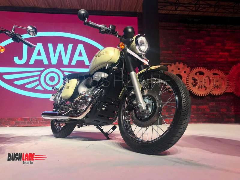 Jawa 300 Classic Riding Position Revealed In New Spy Shots