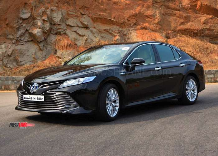 Toyota Camry, Skoda Superb, VW Passat – Petrol vs Diesel sales report