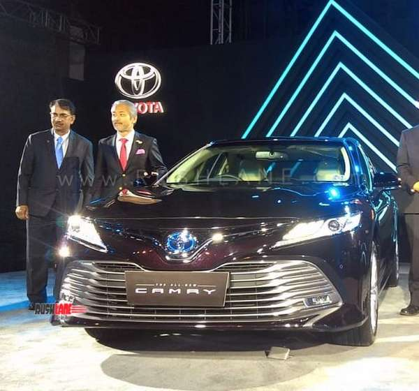 2019 Toyota Camry Hybrid India Launch Price Rs 36 95 Lakhs