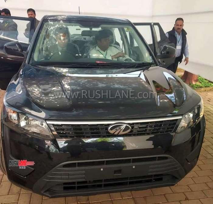 Ssangyong Tivoli 1 6 Se Suv Diesel Hatchback: Mahindra XUV300 Chrome Kit Accessory Variant Showcased To