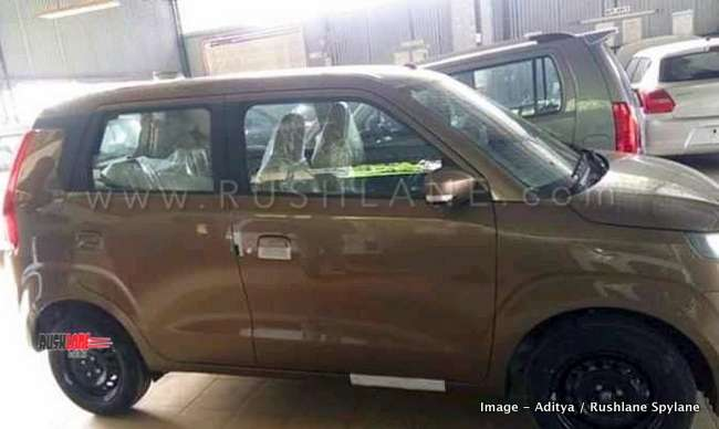 New Maruti Wagonr Two Colour Options Spied At Dealer