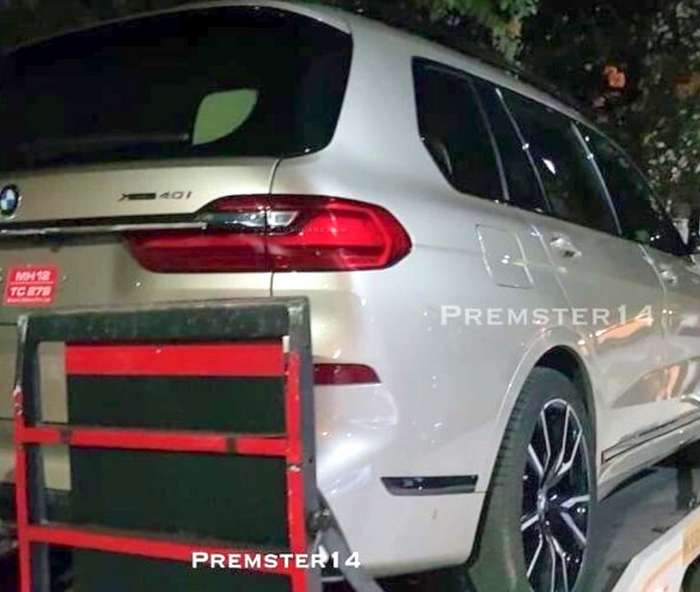 Bmw X7 Suv Price In India: 2019 BMW X7 40i Petrol SUV Spied Undisguised In Pune Ahead