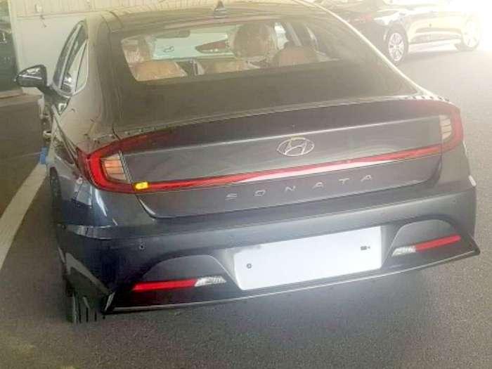 2018 Honda Accord Spy Shots >> 2020 Hyundai Sonata Undisguised Spy Shots Leak To Take On
