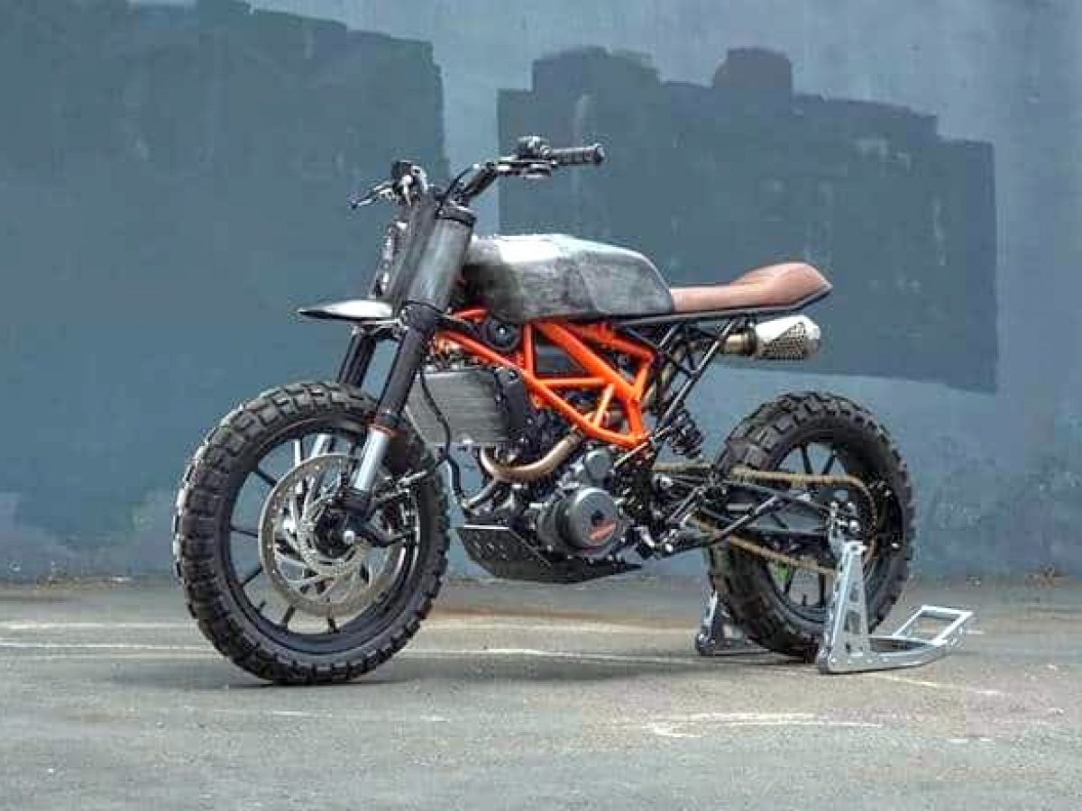 Ktm 390 Duke Modified With Parts From Yamaha Rd 400