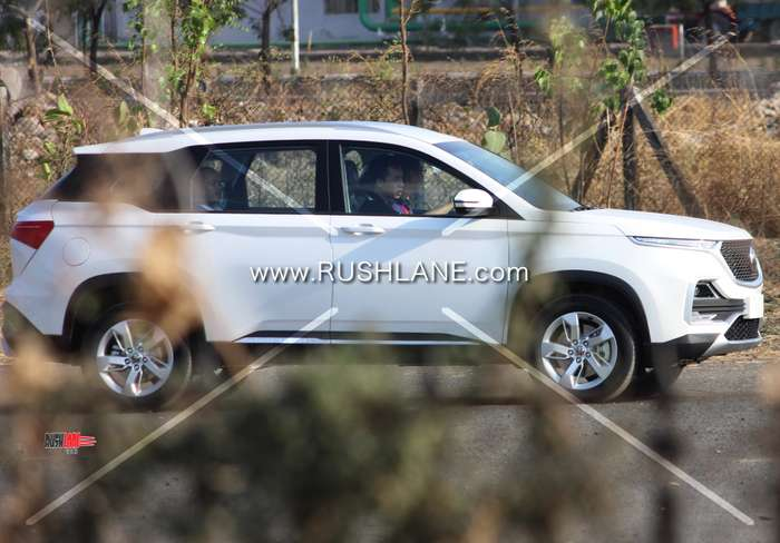 Mg Hector White Colour With Single Tone Alloys Minus Sunroof Spied