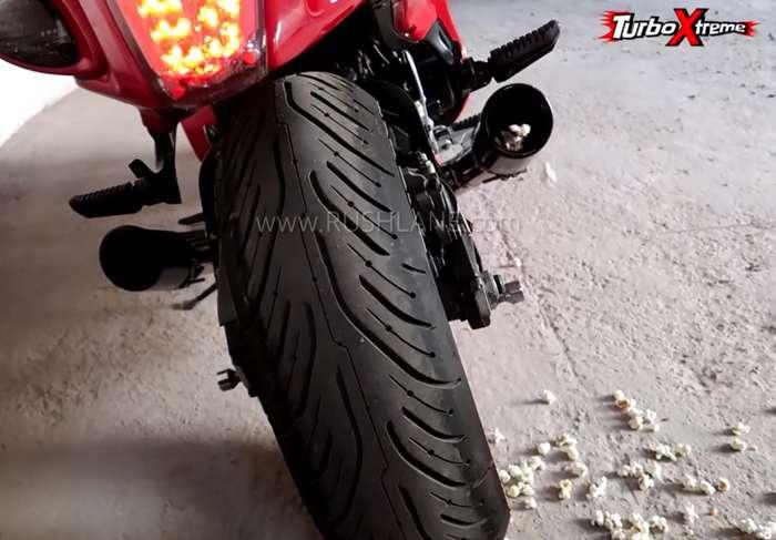 Suzuki Hayabusa owner makes popcorn using bike's exhaust - Video