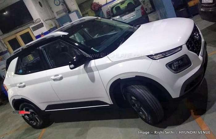 Hyundai Venue White Black Dual Tone Arrives At Dealer
