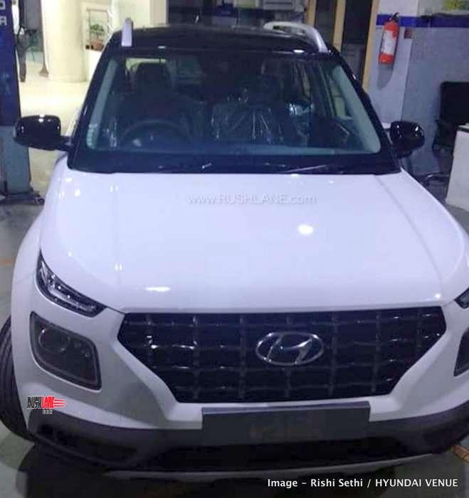 Top Of The Line Hyundai: Hyundai Venue White Black Dual Tone Arrives At Dealer