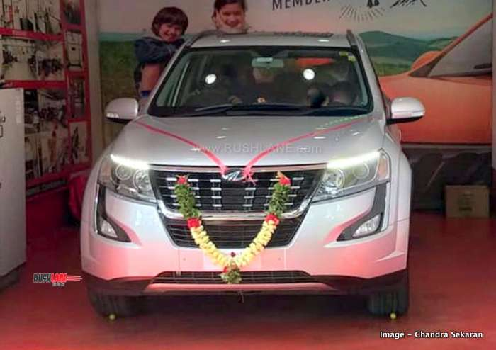 Mahindra XUV500 to get Apple CarPlay this month - Only on