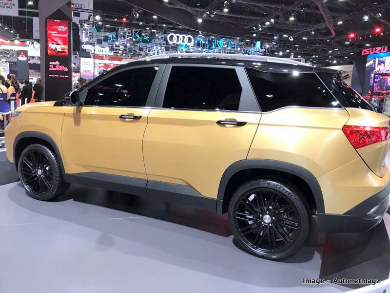 Image of MG Hector based Chevy Captiva.