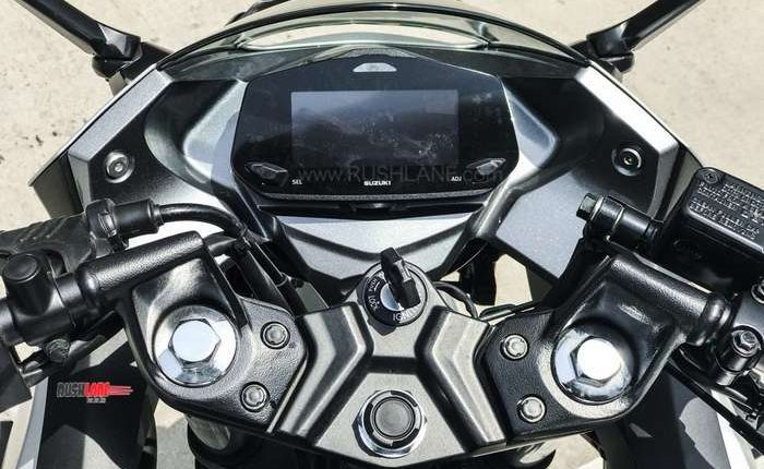 Suzuki Gixxer SF 250 display