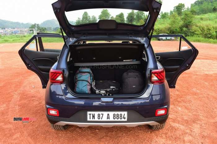 Hyundai Venue boot space luggage