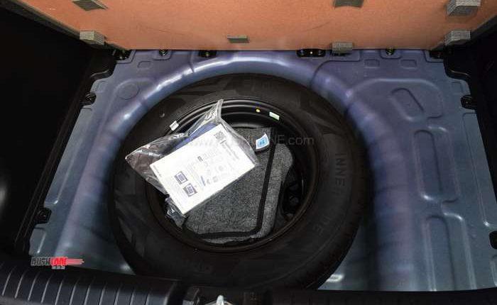 Hyundai Venue spare tyre