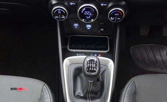 Hyundai Venue manual gears