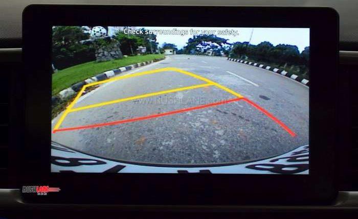Hyundai Venue rear camera screen