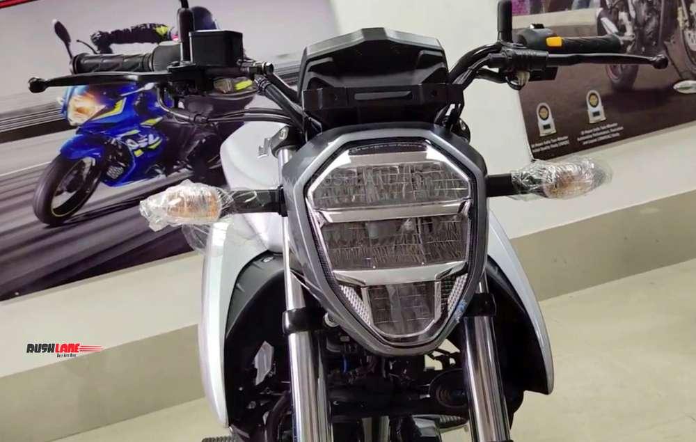 2019 Suzuki Gixxer three colours arrive at dealer ahead of launch