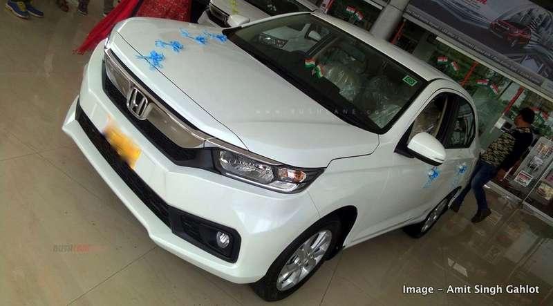 Honda Amaze, City, Jazz, Civic, CRV - Discounts Sep 2019 up to Rs 4.18 L - RushLane thumbnail