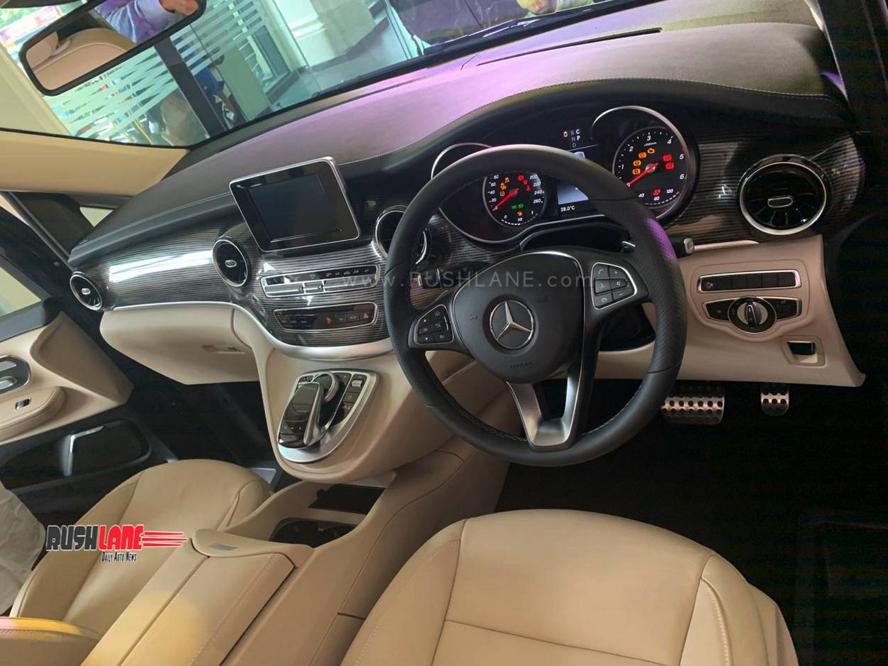 Mercedes V Class dashboard