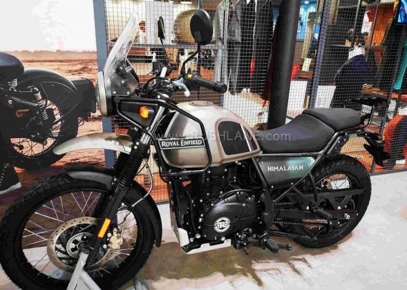Us Auto Sales >> Royal Enfield Himalayan BS6 Red and Black - Spied in India