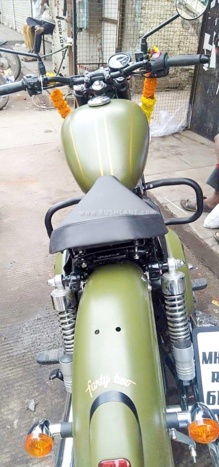 Jawa 42 single seat modified