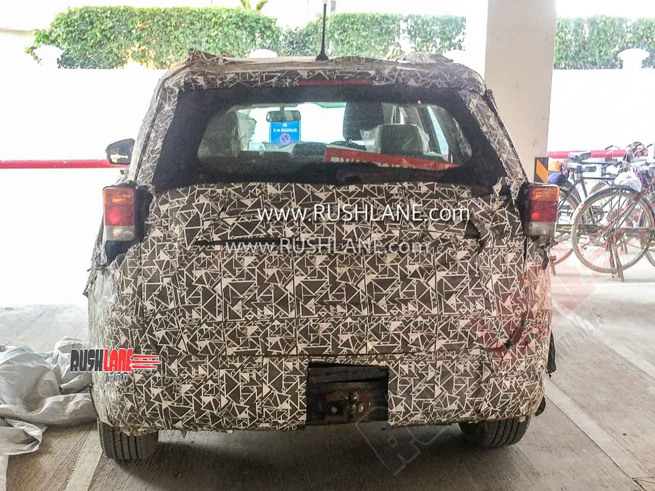 2020 Mahindra XUV500 with tow hook
