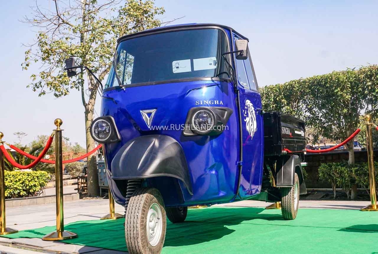 Omega electric rickshaw