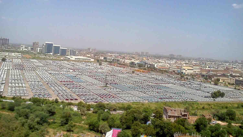 Car dealer stockyard
