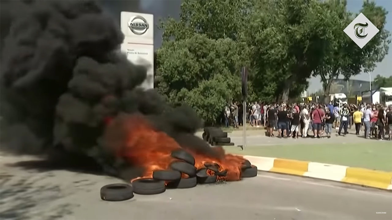 Burning tyres in front of Nissan's Barcelona plant