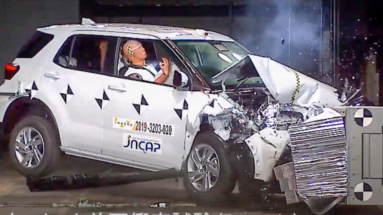 Toyota Raize SUV crash test