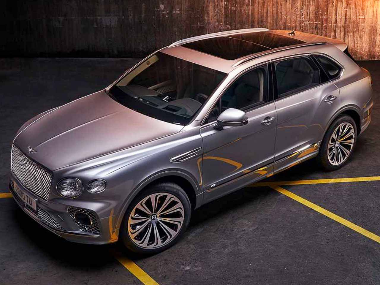 2021 Bentley Bentayga breaks cover with revised design