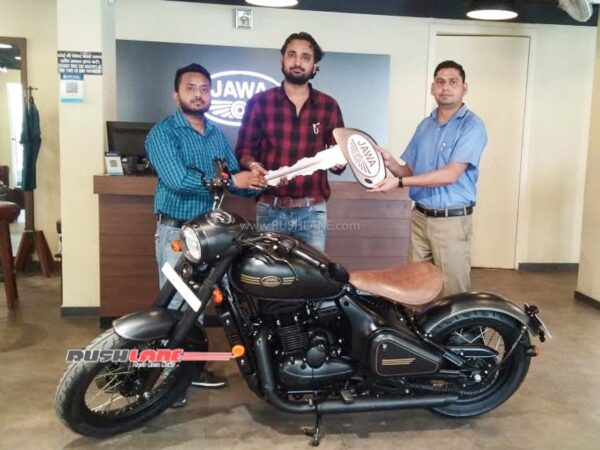 Mr Rishabh taking delivery of Jawa Perak in Agra