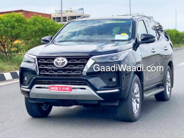 New Toyota Fortuner facelift for 2020 spied in India