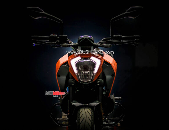 Existing KTM Duke 250 with halogen headlamp