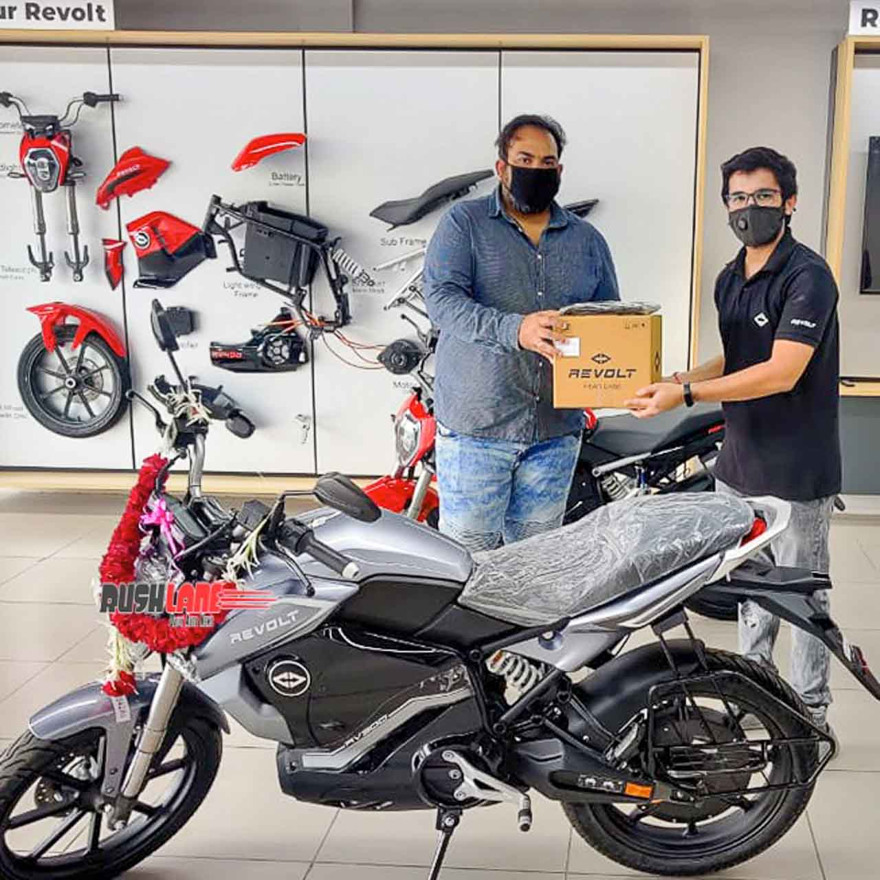 Revolt electric motorcycle delivery start in Ahmedabad