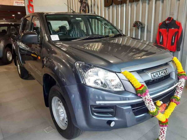 New Isuzu BS6