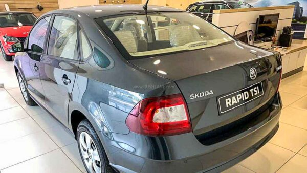 skoda rapid bs6 AT