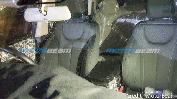 2021 Mahindra XUV500 Seats Spied