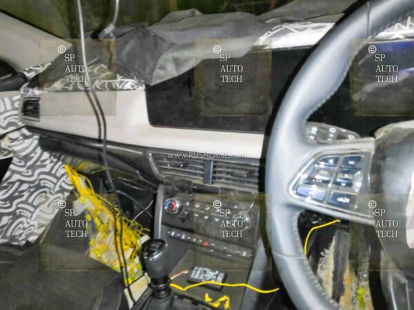 2021 Mahindra XUV500 Interiors