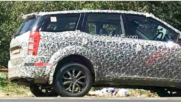 Current Mahindra XUV500 Spied Testing