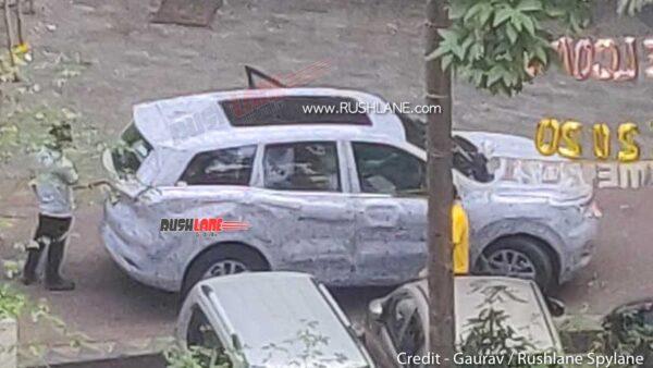 2021 Mahindra XUV500 Panoramic Electric Sunroof